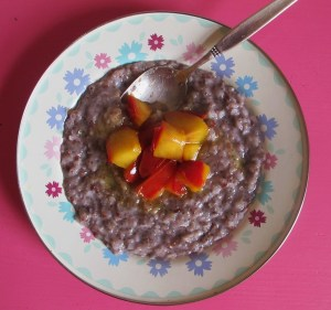 Reis-Chia-Frühstück in Blau.