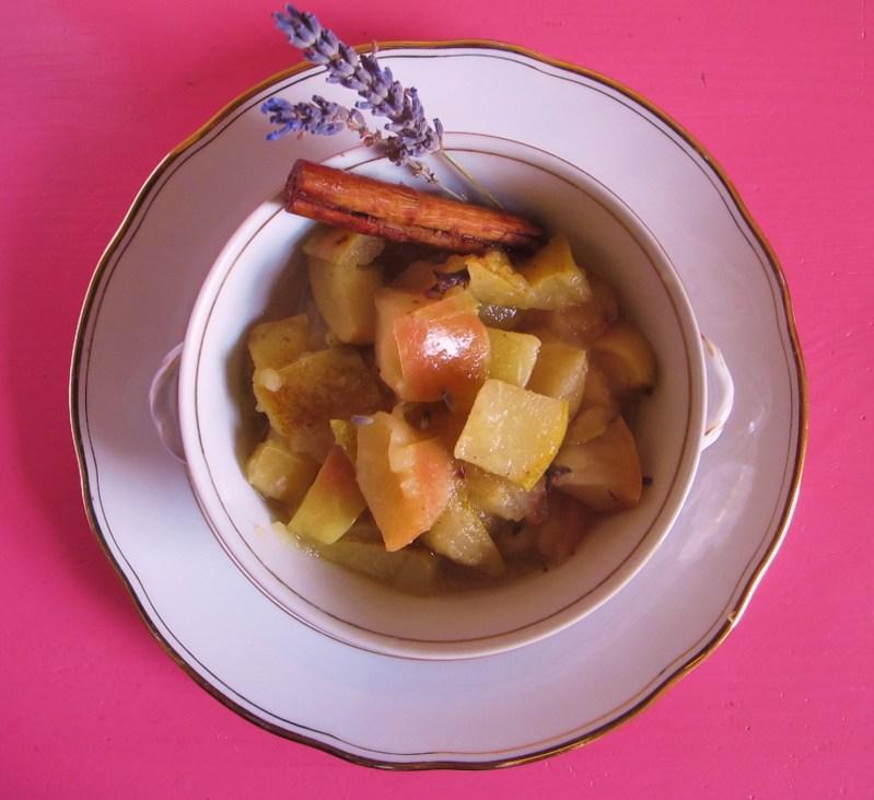 Apfel-Birnen-Kompott & Lavendel.