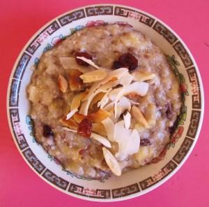 power-porridge sportler-porridge ayurveda-fruehstueck ayurveda rolling-tiger copyright by julia-wunderlich