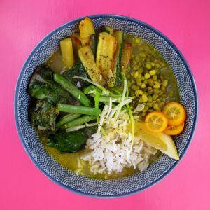 detox-soup detox-greens green-soup mung-soup ayurveda-kur detox food copyright by julia wunderlich