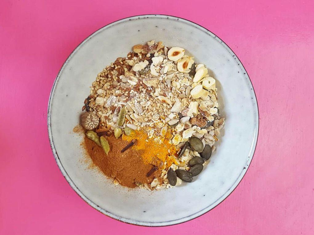 granola-ayurveda-seed-cycling-hormone 2.jpg